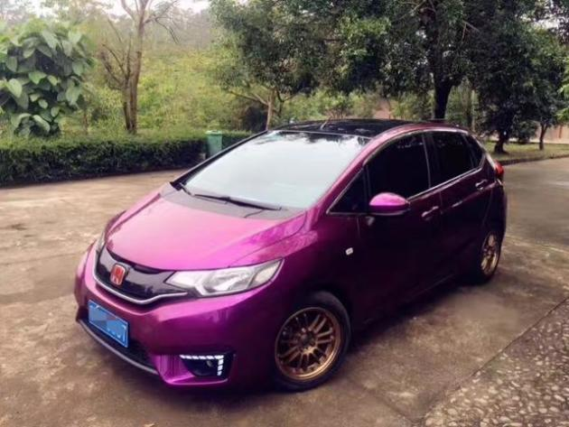 本田飛度超亮金屬紫車身改色貼膜效果圖