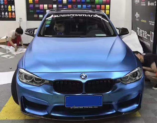 宝马3系汽车改色贴膜亚面电镀浅蓝效果