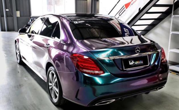 奔驰c200l汽车钻石极光绿车身改色贴膜效果图