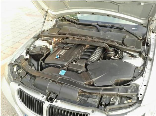e90 325i,宝马最经典l6发动机,如今12万就能入手,值吗?