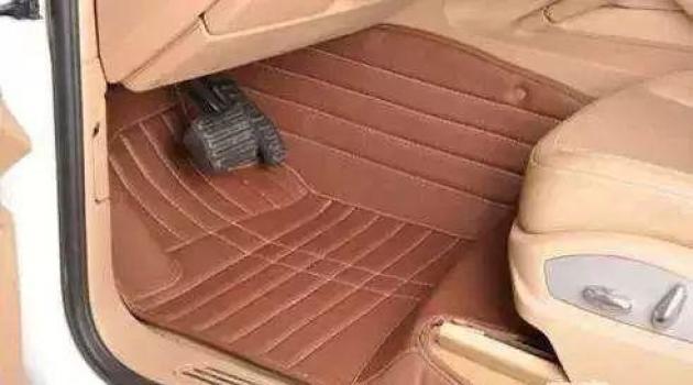 汽车上的脚垫是全包围好还是半包围好?应该怎么选?_北京赛车微