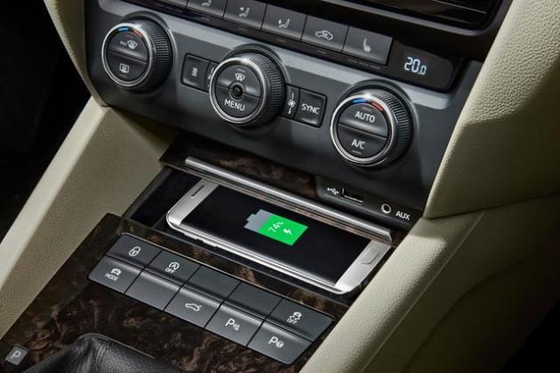 无线充电都开始在手机上普及了为什么汽车上还只是配个支架呢?_
