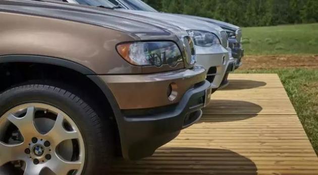 全新BMWX5依舊是「公路之王」,3.0T+2米車寬秒殺同級! 歷史 第3張