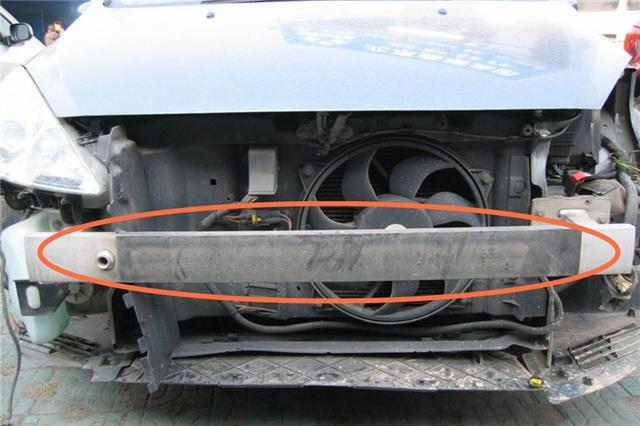为什么纵梁受损的二手车不建议购买?原理和纸盒类似?