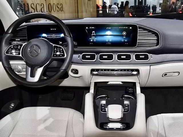 """宝马X7刚上市不久,奔驰GLS就着急抢风头,谁才是""""陪衬""""?"""