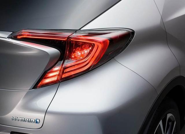 未卖已经火了!丰田这款SUV不仅颜值逆天,动力也够诚意!