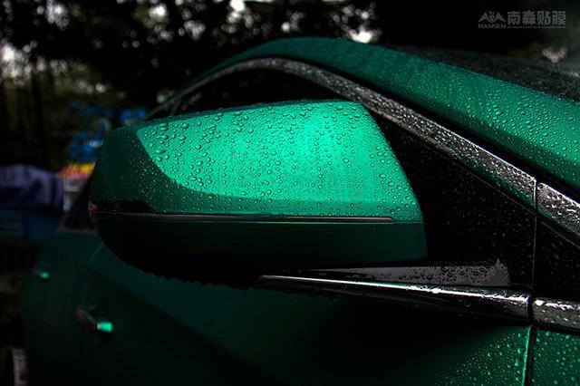 凯迪拉克XTS车身改色冰拉丝湖水绿 回头率绝爆!