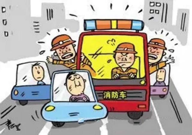 注意:私家车也有闯红灯的特权了!