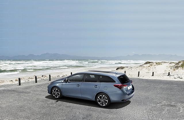 Toyota-Auris-2016-1280-06.jpg