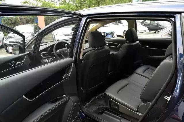 家用MPV的超级搅局者 比亚迪宋MAX售价10万 宝骏730要倒大霉