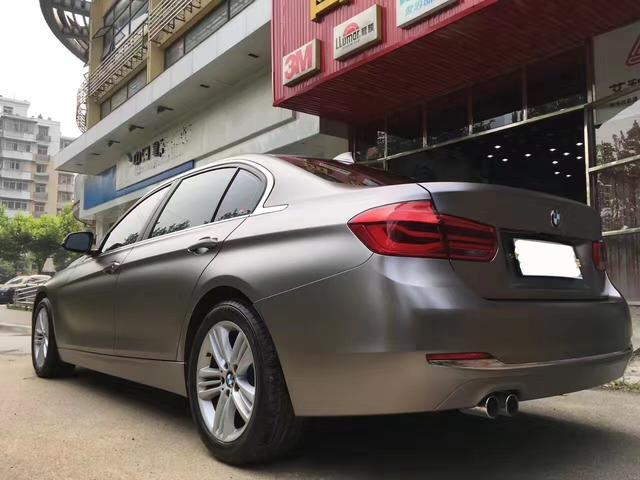 宝马3系电光钛金灰汽车改色贴膜效果图