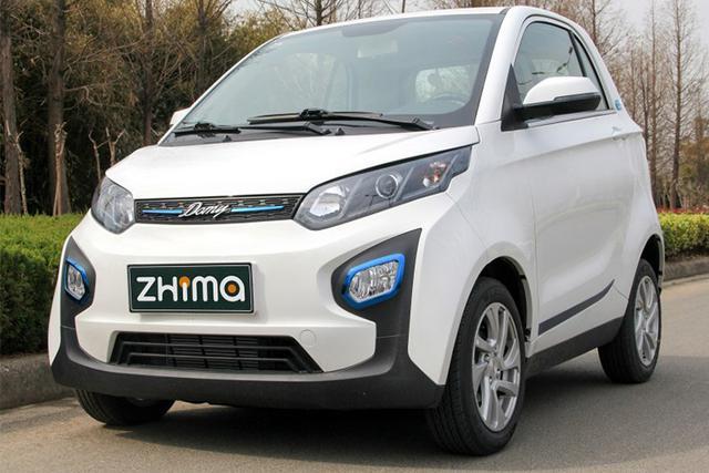 众泰芝麻,众泰旗下的一款纯电动微型车,该车的定位略低于同门师兄众泰