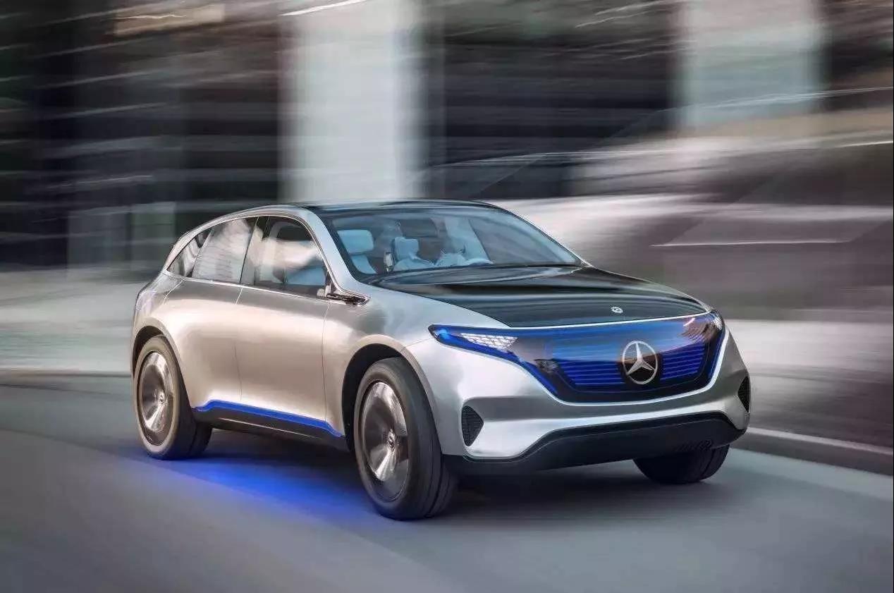 奔驰 作为当之无愧的豪华品牌,奔驰在新能源方面的布局可谓是相当完善的。从生产基地、电动车开发、内燃机车电动化改造、插电式混动车型、氢燃料电池计划、基础充电设施建设等诸多方面全面发展。看来未来汽车奔驰依旧将会处于领先地位。