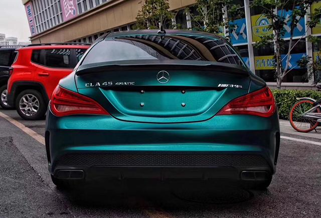 奔驰cla45电光祖母绿汽车改色贴膜效果图 独特的气质