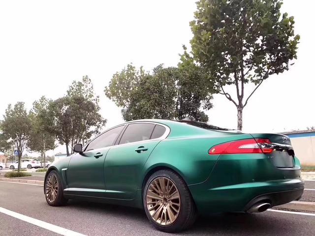 捷豹xf电光祖母绿车身改色贴膜效果图