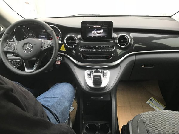 18款奔驰V250长轴版 时尚商务车惊喜升级-图5