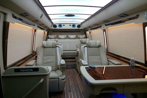 丰田考斯特可以改装旅行房车 内部配置参考房车商务车方案