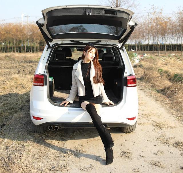 美女提途安,自己的车,就要自己当车模!