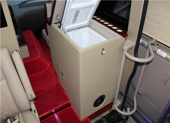 让嘉宾享受飞机头等舱般的旅途享受.