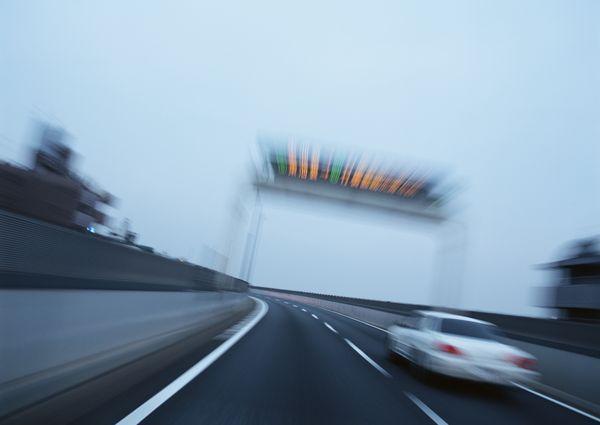 3个常见却也容易致命的违章,有些车主至今还在犯!