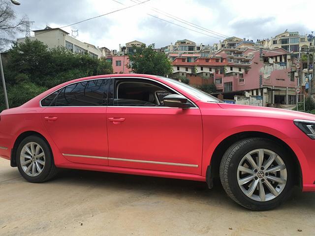 大众帕萨特车身改色亚光电镀红汽车贴膜效果图