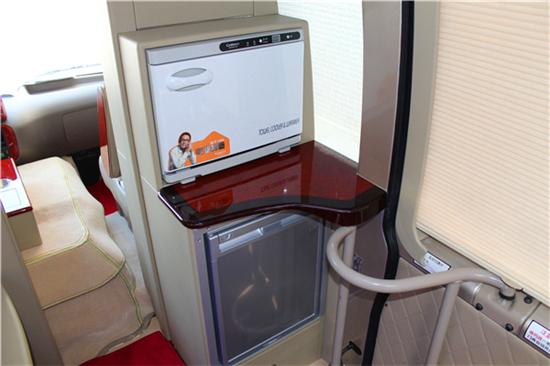 丰田考斯特11座商务车最受欢迎的商业接待车