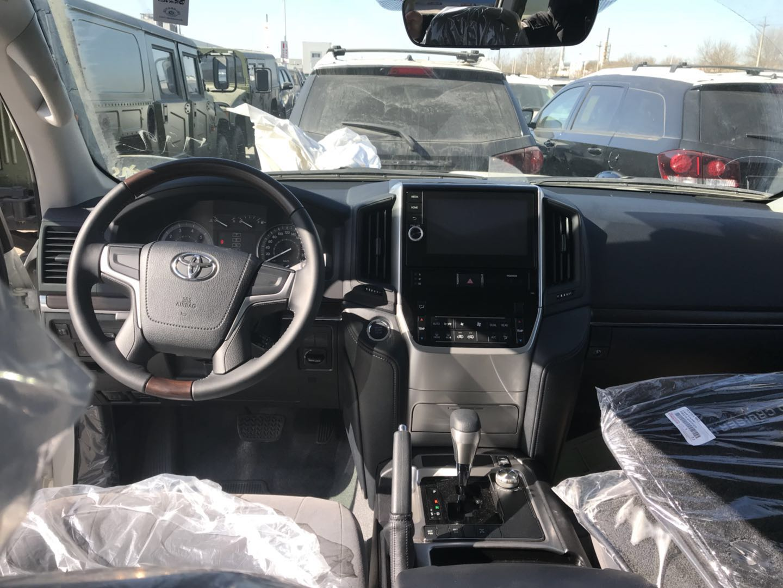 18款丰田酷路泽4000八座SUV越野车港口优惠