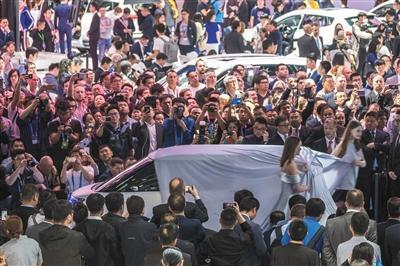 北京车展人多不乱