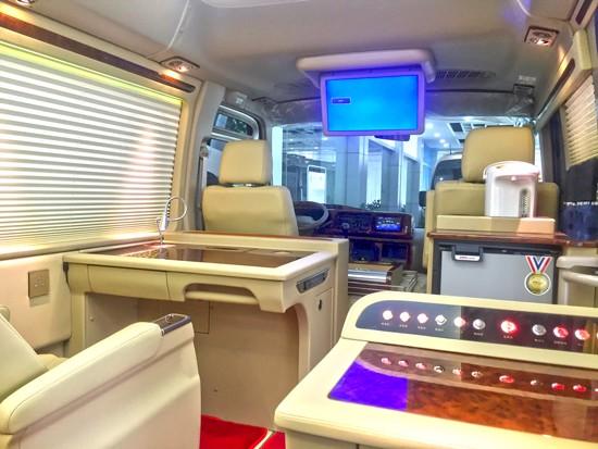 精致而又惊艳的丰田考斯特改装商务车