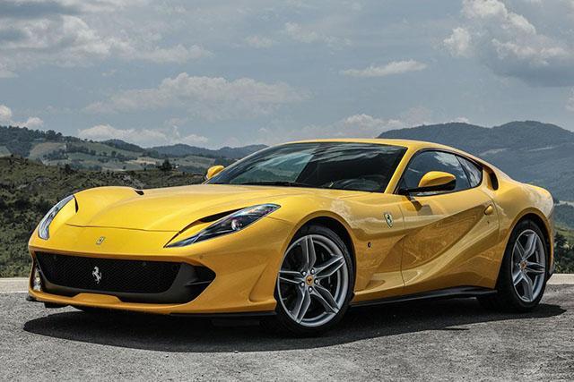 原售价538.80万元的法拉利gtc4lusso,现通过官降后,售价仅为485.