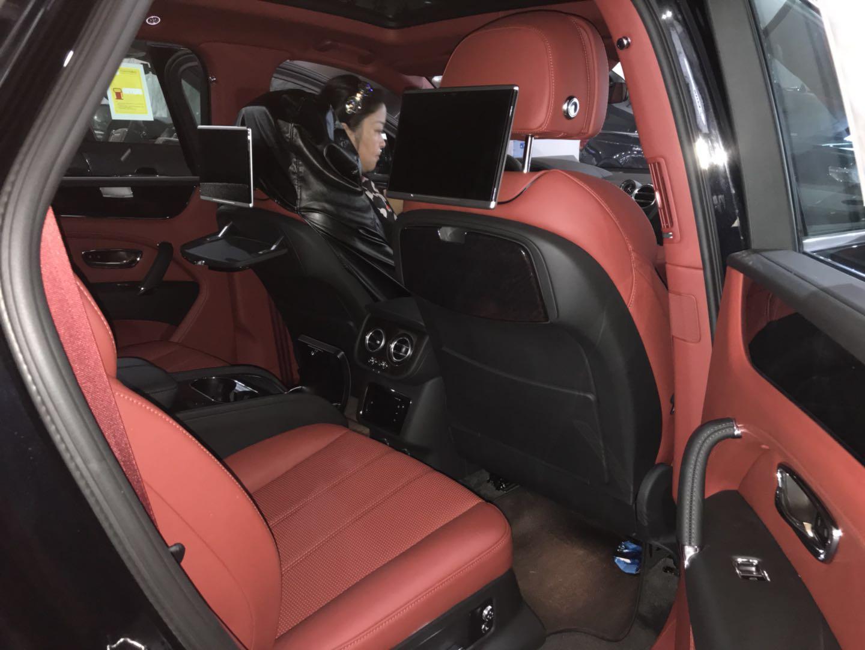 2018款纯进口宾利添越性能最强的顶级奢华SUV