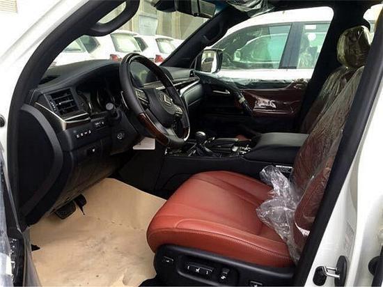 18款雷克萨斯LX570越野型SUV中的巨人装备更豪华