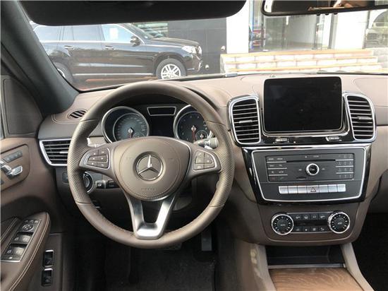 18款奔驰GLS450独特气质 霸气十足
