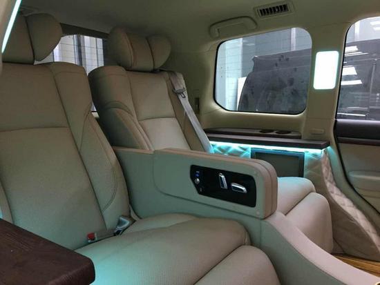 18款丰田酷路泽4000终于降价 可豪华改装-图8