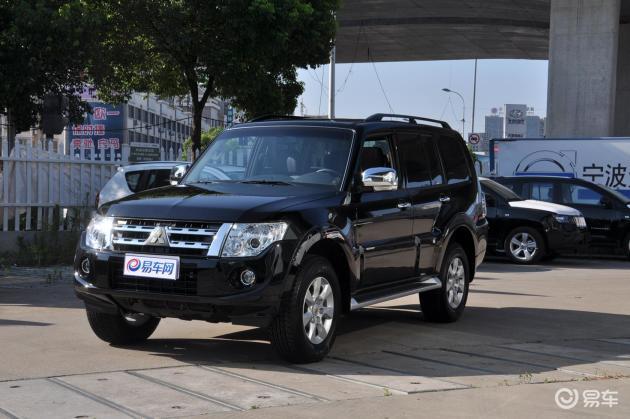 这款SUV豁出去了!售32.0万迷倒一片,空间豪华外观惊艳,外形力量感十足