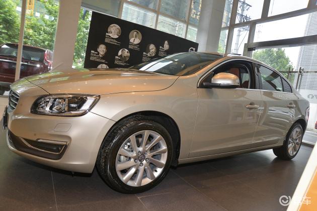 29万预算买车你会怎么选?沃尔沃S60还是奥迪A4L,哪一款更值得买