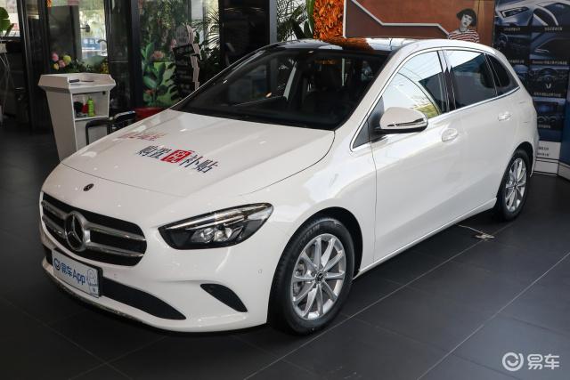这款车最高优惠4.0万,油耗5.7L-7.1L