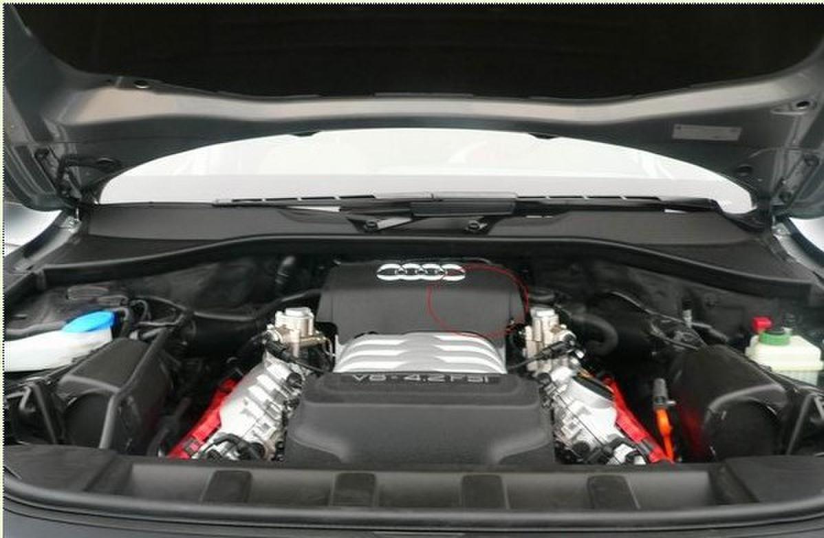 奥迪Q74.2机油滤清器在哪儿 -用车问答高清图片
