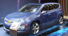 美国政府:开足马力发展新能源汽车