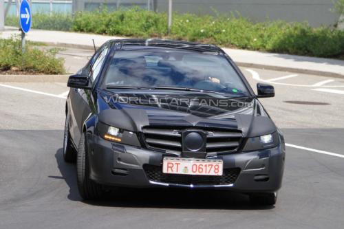 2012款奔驰C级coupe谍照曝光 或明年推出