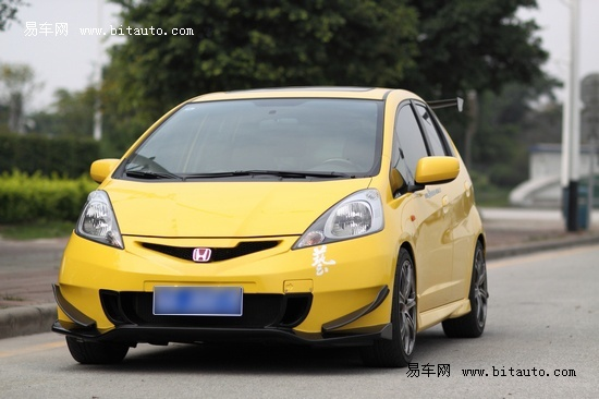 飞度改装样板 J'S RACING中国版改装厂车