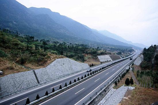 沈海高速公路超速车辆猛增1倍 高清图片