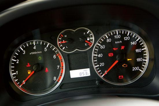 哈佛h5柴油版仪表盘故障灯――和漏斗差不多的形状,下面一滴油.图片