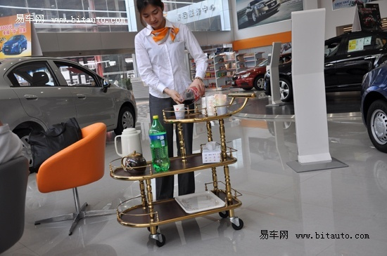 编辑探店 上海通用雪佛兰南菱汇通4s店高清图片