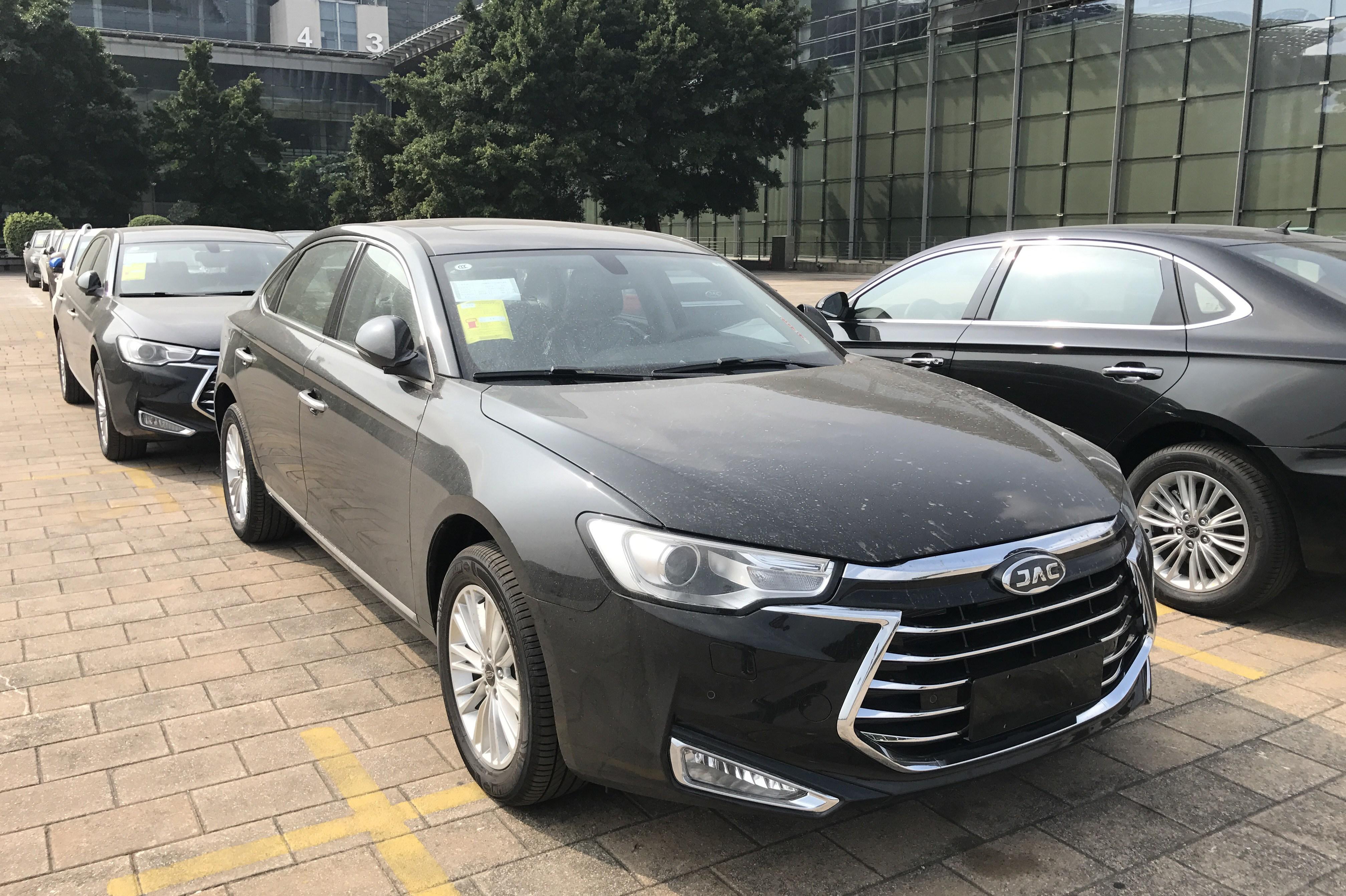 江淮瑞风A60实车图曝光 或广州车展上市