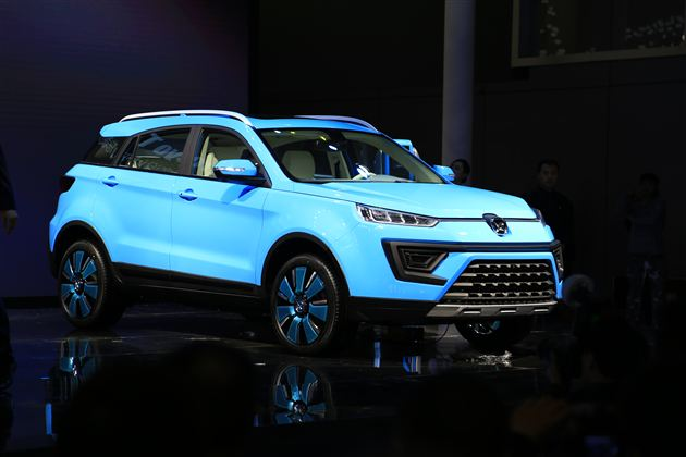 江铃驭胜上海车展发布S330混动和纯电两款新能源车型