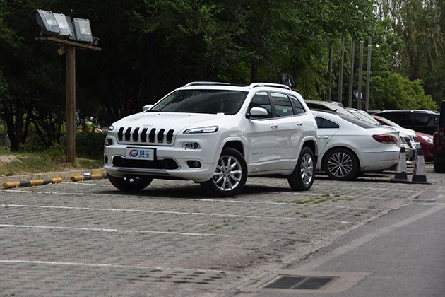 2017款Jeep自由光卓越版图解 中间价格/实惠配置
