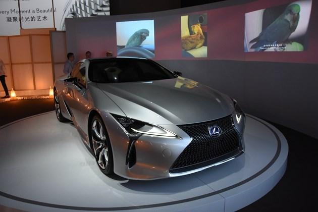 雷克萨斯全新LS/LC首次同时亮相国内 充满未来感的汽车美学