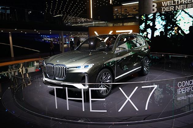 抢先实拍宝马X7概念车 全尺寸SUV新贵