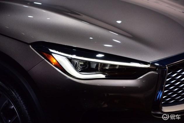 流畅的腰线同样贯穿至尾灯,车身尾部也采用多线条的造型设计,体现出饱满浑厚的视觉感受。全新样式的尾灯组造型非常动感,且为LED光源,夜晚点亮时,视觉效果非常出色。